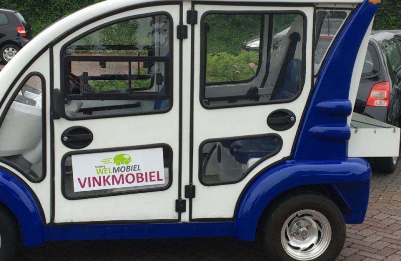 De Vinkmobiel van Stichting Welmobiel op straat in actie